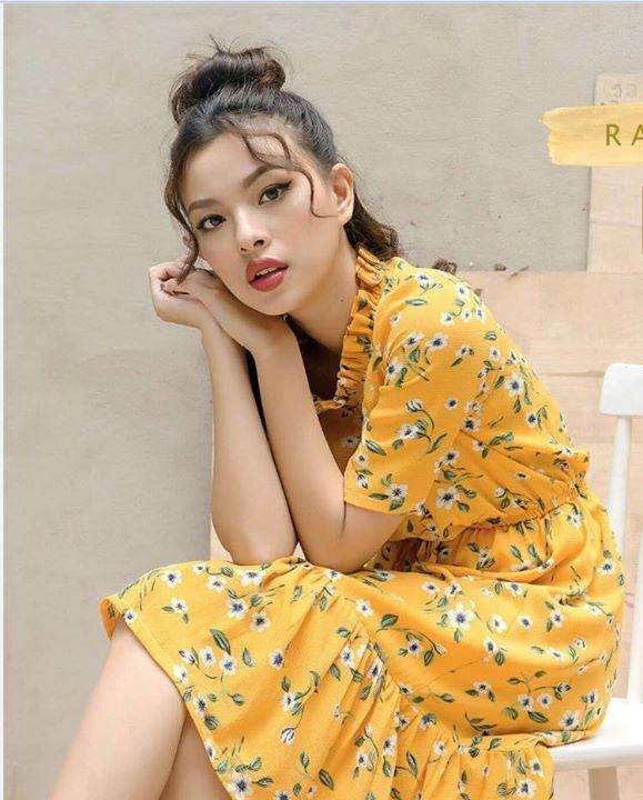 Đầm maxi hoa vàng