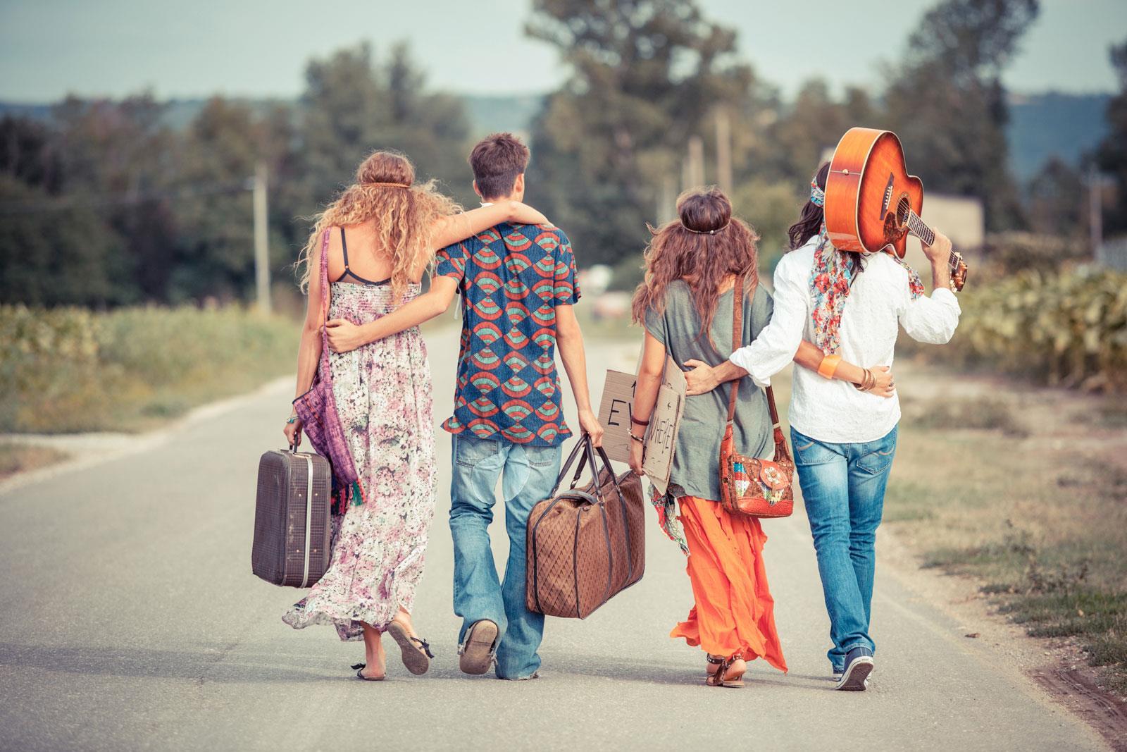 Phong cách tự do Hippie là gì? Định hình phong cách Hippie